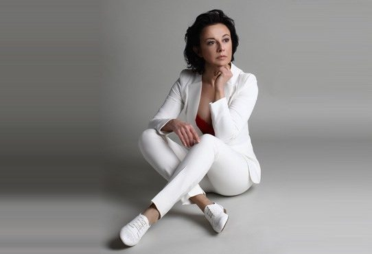 lara-jankovic-predstavlja-singl-pesem-o-fantu_28323131888